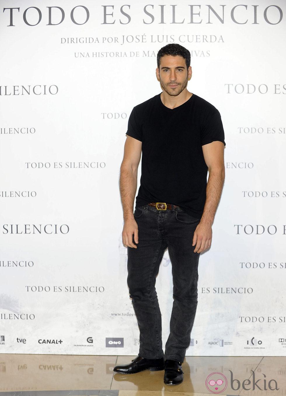 Miguel Ángel Silvestre en la presentación de la película 'Todo es silencio'