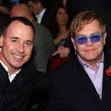 David Furnish y Elton John en la gala Music Industry Trusts Awards 2012