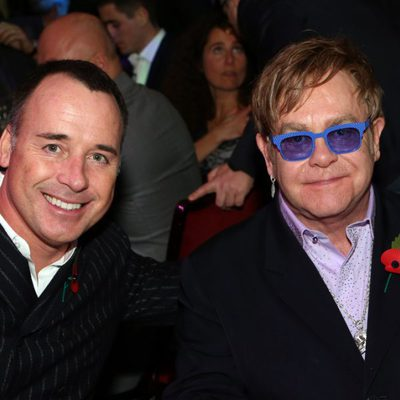 David Furnish y Elton John en la gala Music Industry Trusts Awards 2012