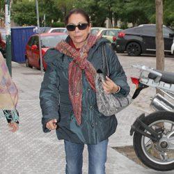 Isabel Pantoja llega al hospital para asistir al nacimiento de su primer nieto