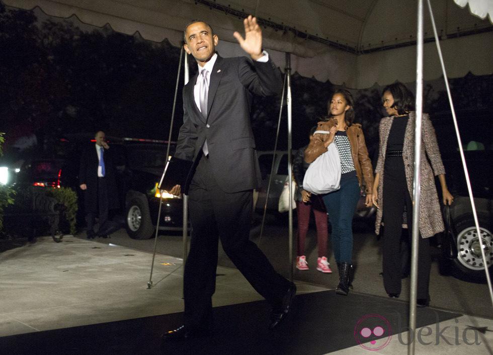 Barack Obama y su familia vuelven a la Casa Blanca