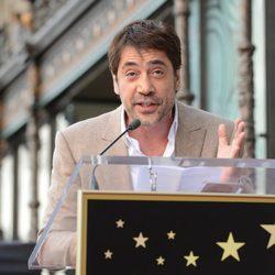 Javier Bardem agradece su estrella de la Fama de Hollywood a familia y amigos
