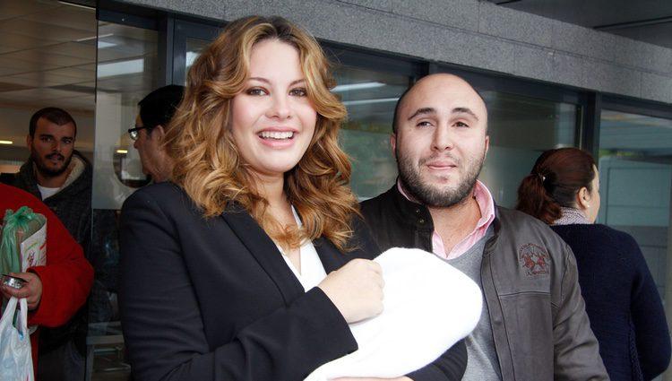 Kiko Rivera y Jessica Bueno, muy felices en la presentación de su hijo Francisco