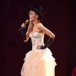 Heidi Klum sobre el escenario de los MTV Europe Music Awards 2012