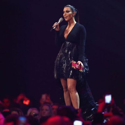 Kim Kardashian en la gala de los premios EMA´S 2012