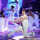 Justin Bieber actuando en el desfile de Victoria's Secret