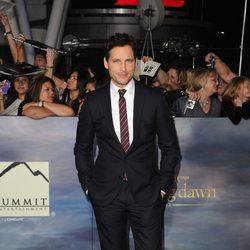 Peter Facinelli en el estreno de la película 'Amanecer. Parte 2' en Los Ángeles