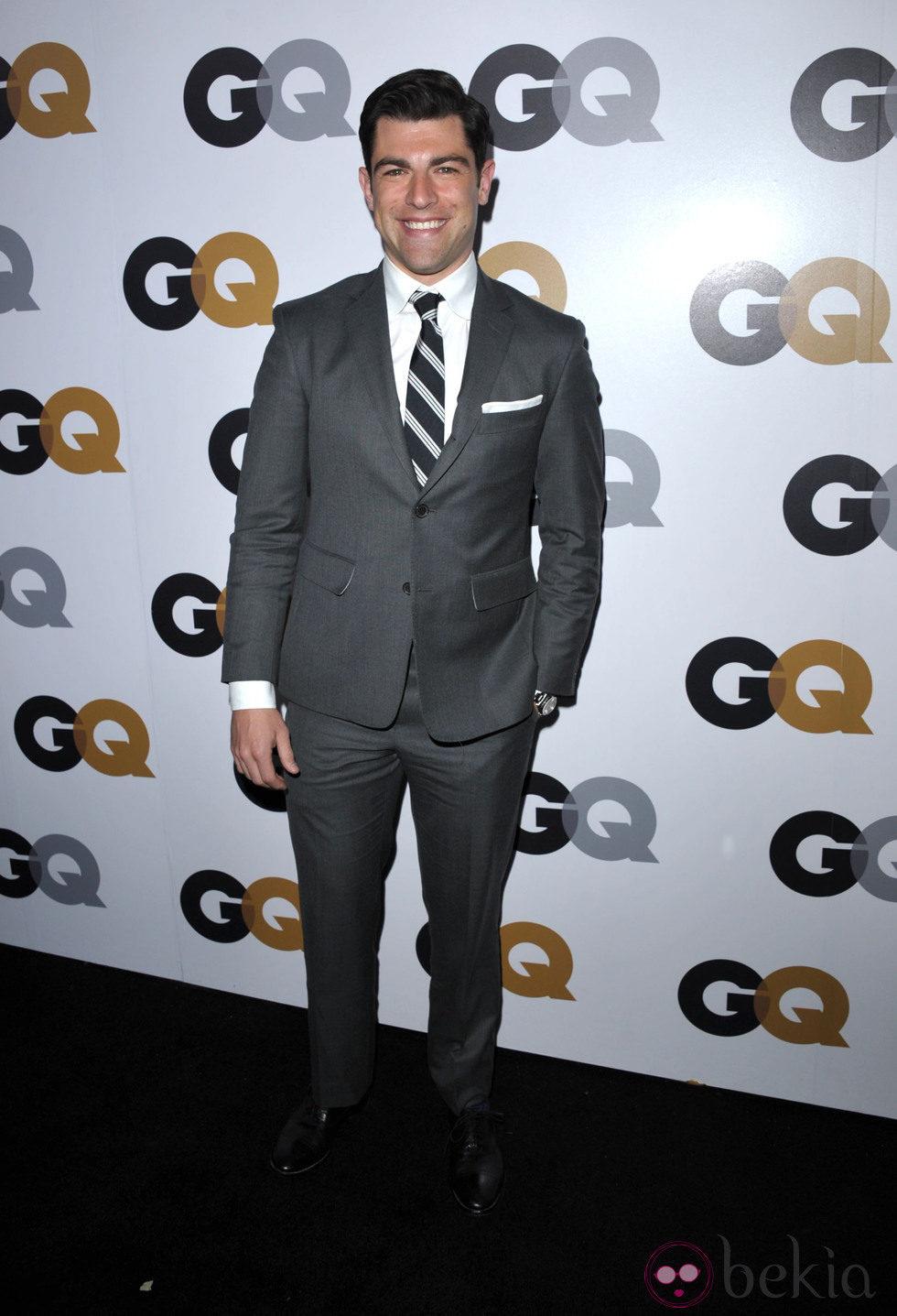 Max Greenfield en la fiesta GQ Hombres del Año en Los Angeles