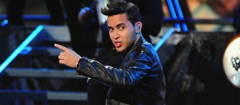 Prince Royce actuando en los Grammy Latinos 2012