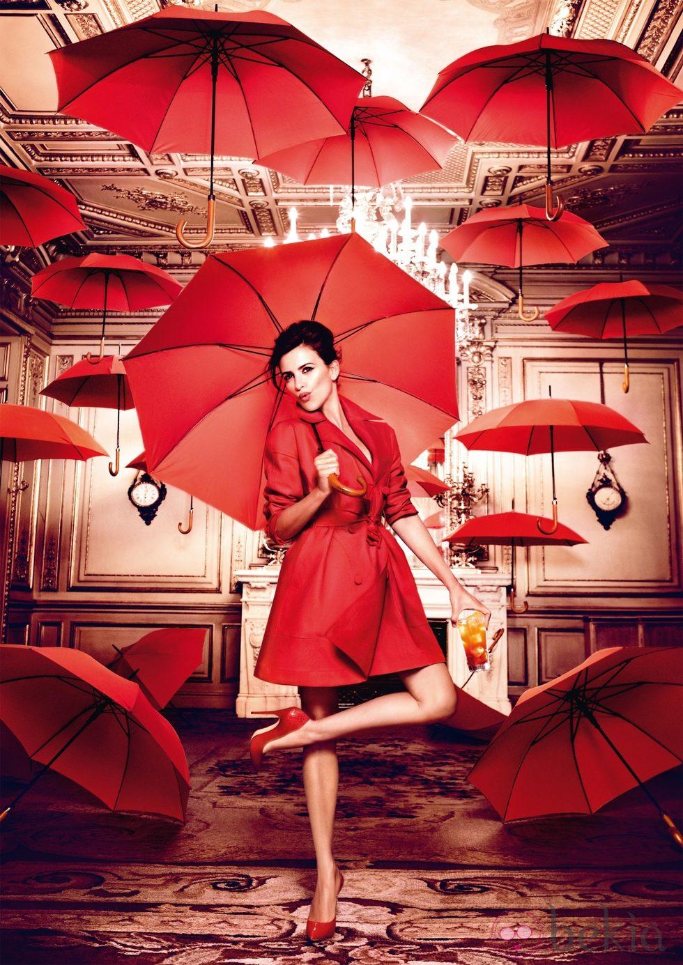 Penélope Cruz en el mes de marzo del Calendario Campari 2013