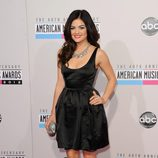 Lucy Hale en los American Music Awards 2012