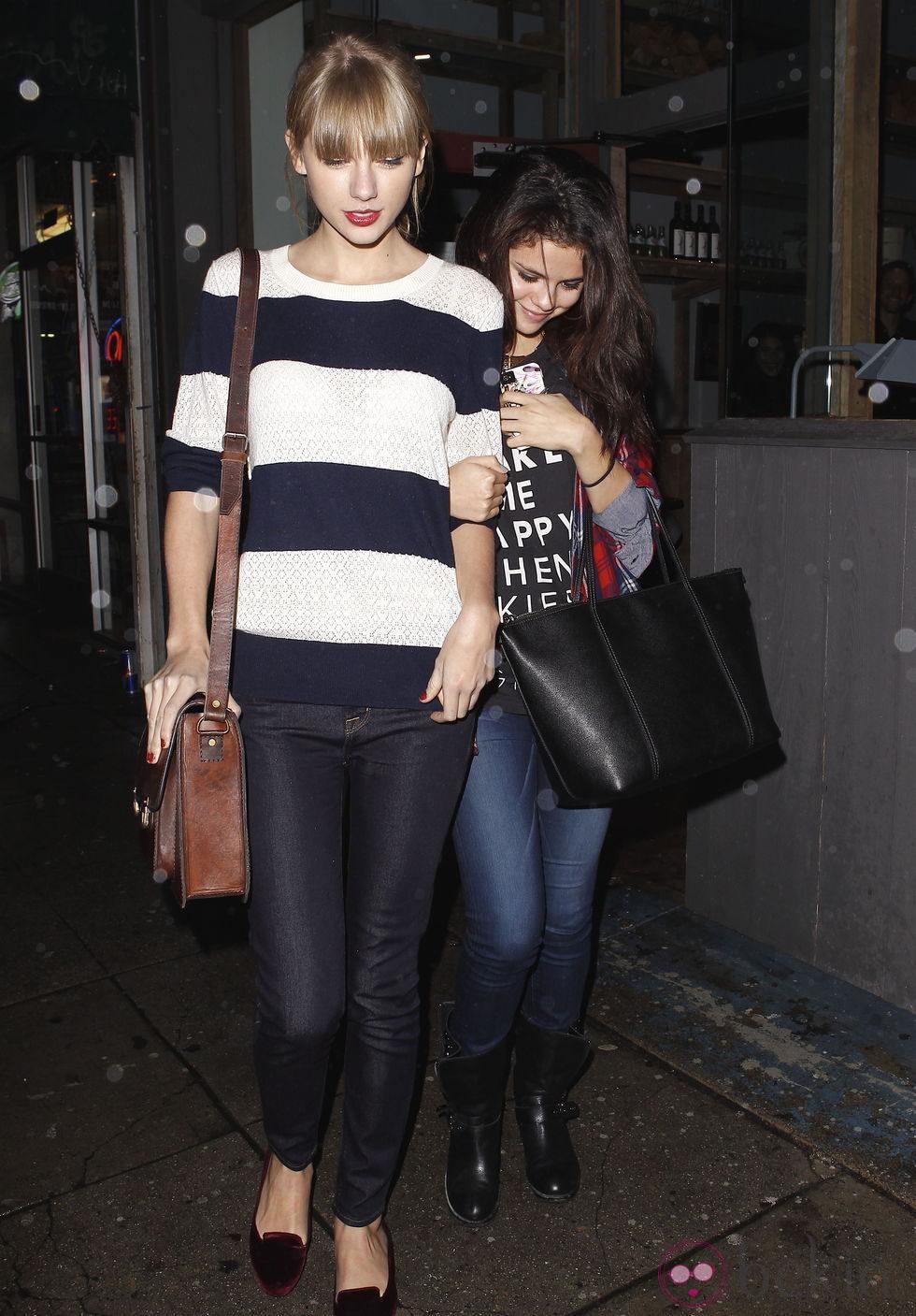 Selena Gomez y Taylor Swift comparten una noche de amigas