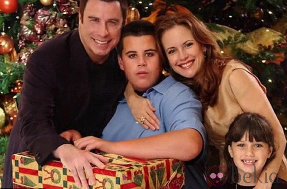 John Travolta, Kelly Preston, Elle Travolta y Jett Travolta pasando ...