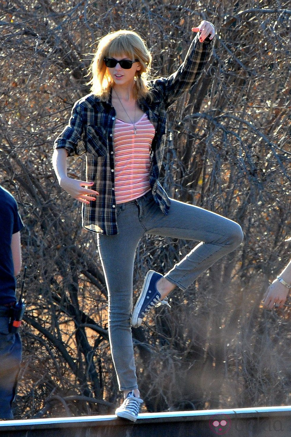 Taylor Swift durante el rodaje de su nuevo videoclip, 'I Knew You Were Trouble'