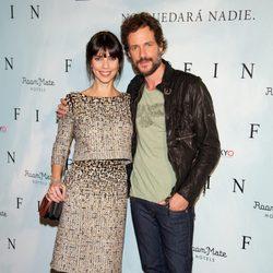 Maribel Verdú y Daniel Grao en el photocall de 'Fin' en Madrid