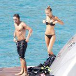 Fernando Alonso y Dasha Kapustina, chapuzón en Palma de Mallorca