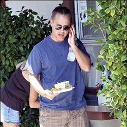 Chad Lowe paseando por las calles de California