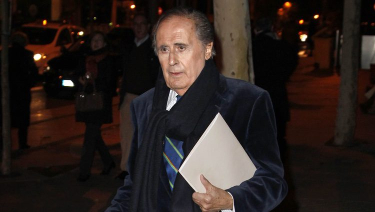 Jaime Peñafiel en el funeral de Federico Trenor