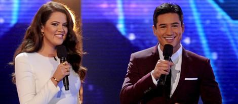 Kloe Kardashian y Mario Lopez en el programa 'The X Factor'