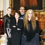 Carmen Maura, Carolina Bang, Álex de la Iglesia y Terele Pávez en el rodaje de 'Las brujas de Zugarramurdi'