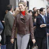 La Infanta Elena visita al Rey en el hospital San José de Madrid