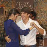 'El Cordobés' y Virginia Troconis bailando en el Rastrillo Nuevo Futuro 2012