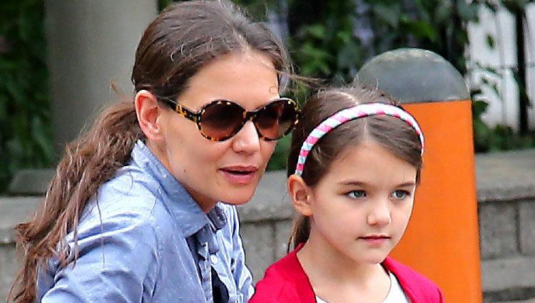 Katie Holmes lleva al parque a su hija Suri Cruise