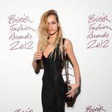 Alice Dellal en los British Fashion Awards 2012