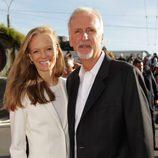 James Cameron y Suzy Amis en el estreno de 'El Hobbit: Un viaje inesperado' en Nueva Zelanda