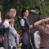 Jennifer Lawrence sonríe rodeada del equipo de 'Los Juegos del Hambre: En llamas'