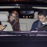 Cristiano Ronaldo recoge a Irina Shayk e Izabel Goulart de la fiesta Vogue España