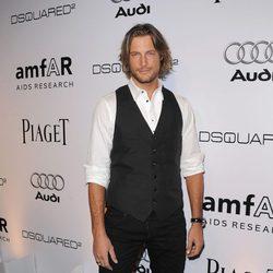 Gabriel Aubry posa en la Gala amfAR en 2010