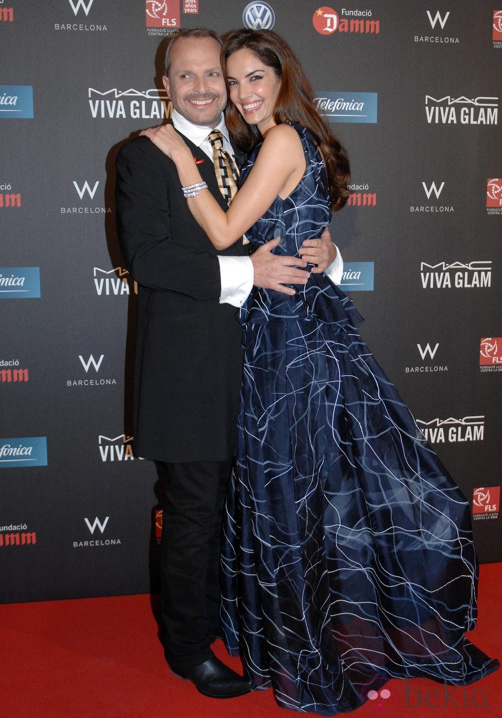 Miguel Bosé y Eugenia Silva en la gala contra el Sida 2012 de Barcelona