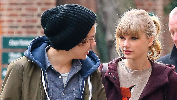 Harry Styles y Taylor Swift intercambian miradas