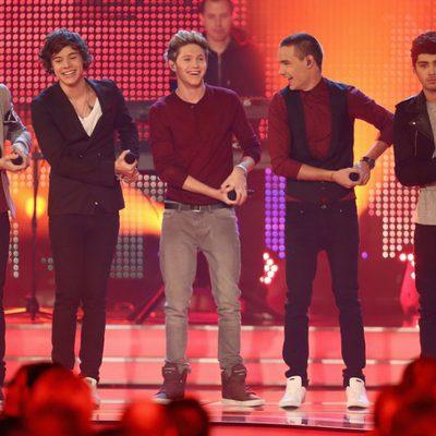 One Direction haciendo una coreografía divertida en los Premios Bambi