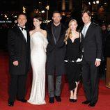Russell Crowe, Anne Hathaway, Hugh Jackman, Amanda Seyfried y Tom Hooper en el estreno de 'Los Miserables'