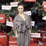 Sara Vega enciende el árbol de Navidad del Palacio de Cibeles de Madrid