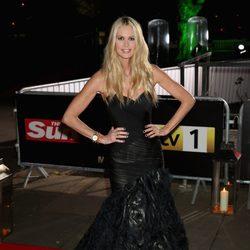 Elle Macpherson en los Military Awards 2012