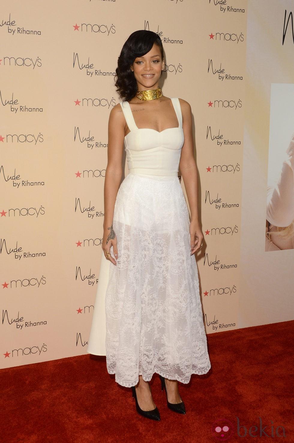 Rihanna presentando su nuevo perfume 'Nude by Rihanna'