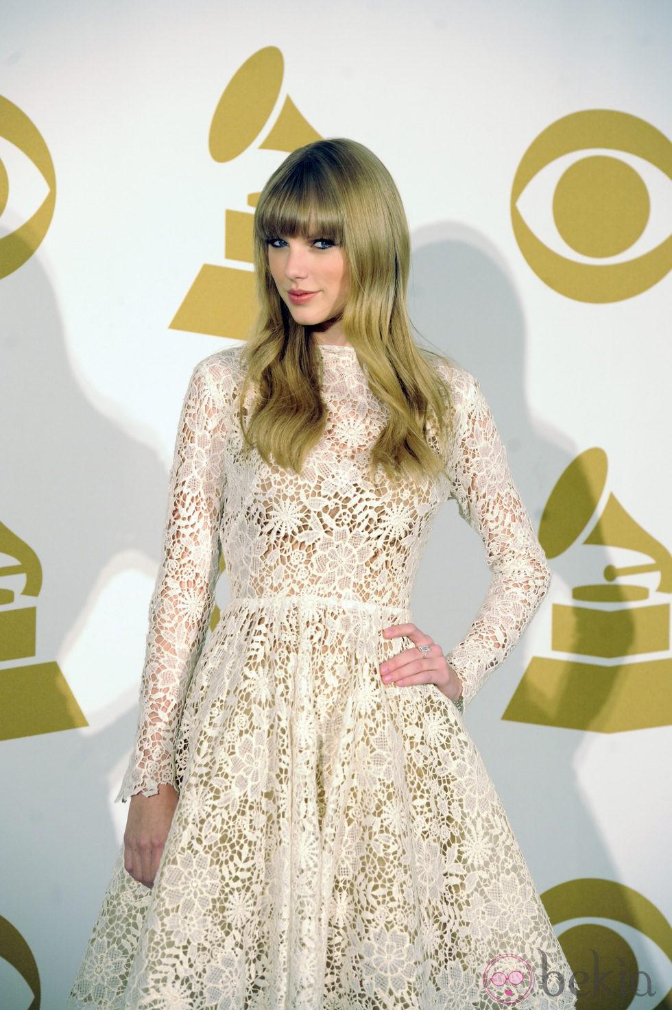 Taylor Swift posa en las nominaciones de los Grammy