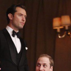 El Príncipe Guillermo y Jude Law en la White Gala
