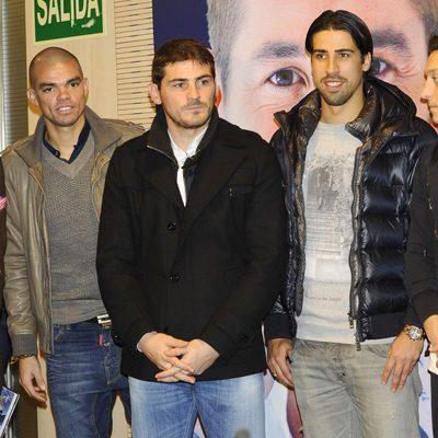 Pepe, Iker Casillas y Khedira en la presentación de 'Corazón, carácter y pasión'