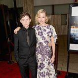Naomi Watts y Tom Holland en el estreno de 'Lo imposible' en Los Ángeles