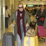 Belén Esteban en el aeropuerto de Madrid tras viajar a Los Ángeles y Nueva York