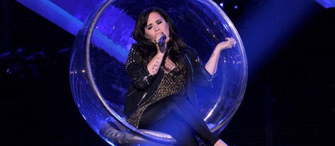 Demi Lovato actuando en la gala VH1 Divas 2012