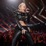 Miley Cyrus actuando en la gala VH1 Divas 2012