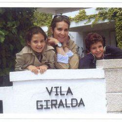 Postal de Navidad 2012 de la Infanta Elena y sus hijos