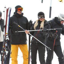 Paris Hilton y River Viiperi disfrutan de una jornada en la nieve en Colorado