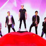 One Direction actuando en la final de 'The X Factor'