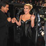 Mario Lopez entrevista a Britney Spears en la gala final de 'The X Factor'